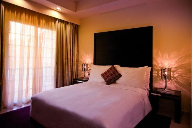فنادق الهاف مون